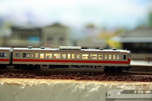 Tomix 国鉄113-0系近郊電車(冷改車・関西線快速色)室內燈